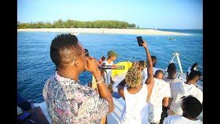 PARTY YA DIAMOND: iliyofanyika kwenye boti (Yatch) DSM