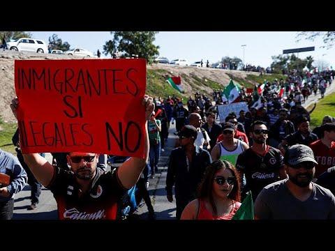 احتجاجات عند الحدود الأمريكية-المكسيكية ضد وصول مهاجري أمريكا الوسطى…  - نشر قبل 9 دقيقة