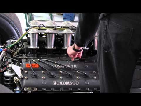 Cosworth V8 F1 beim warmlaufen / warming up a Cosworth V8 F1 engine