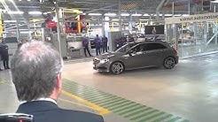 Uudenkaupungin autotehdas on aloittanut Mercedes-Benzin A-sarjan tuotannon