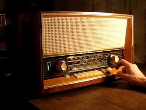 130560805418 in addition Watch furthermore Vintage Tube Radio together with  as well Viewthread. on telefunken opus 7 tube radio