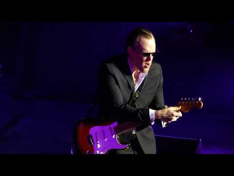 Joe Bonamassa - Love Ain't A Love Song - 11/26/16 Lyric Opera House - Baltimore, MD