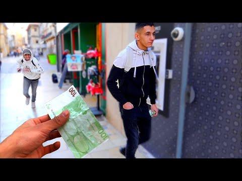 OUBLIER 100 EUROS DANS UN LIEU PUBLIC ! - Expérience sociale