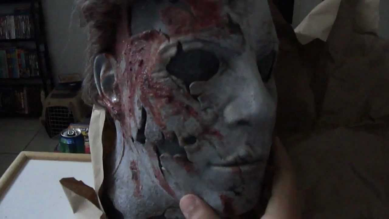 Halloween 2 Rob Zombie Mask.Unboxing My New Rob Zombie S Halloween 2 Michael Myers Mask Cawwe12w