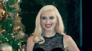Gwen Stefani lights up the Empire State Building for the holidays