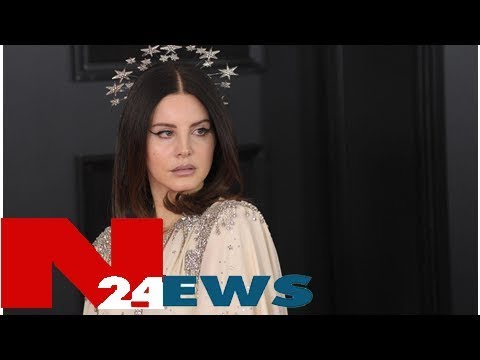 Tearful lana del rey breaks down on stage after foiled 'kidnapping plot'