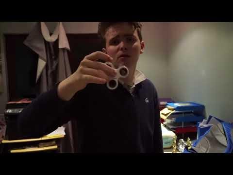 Chris fidget spinner demonstration