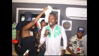 Download Video Jigan Sings His Hit Track Shomoagemini At His Birthday As Yoruba Actors Dance And Sprays Him Money MP3 3GP MP4