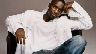 Akon - Beautiful (Songtext)