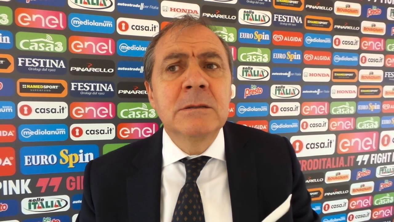 Giro Ditalia 2016 Stage 3 Finish Line Mauro Vegni Direttore Del