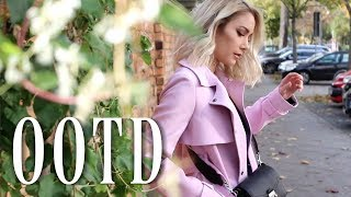 Pink Trenchcoat on a fall day OOTD |funnypilgrim