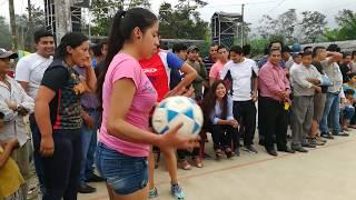 Download Ecuavoley Hombres Vs Mujeres en San Francisco-El Corazón Mp3 and Videos