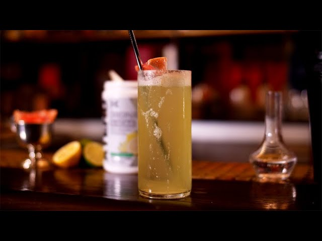 Cocktail Recipe | XTEND Mixology | The Fitness Model [YouTube 動画] クリックで動画がスタンバイされ、もう1回クリックすると再生します