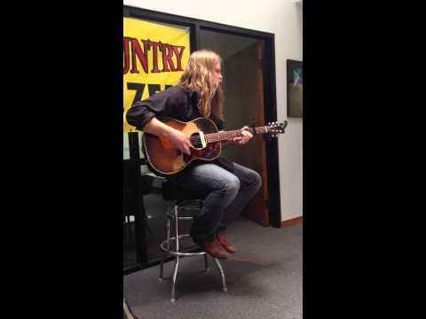 Chris Stapleton visits 93.7 K COUNTRY