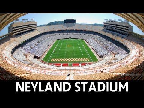 Neyland Stadium - Tennessee Volunteers (College Football)