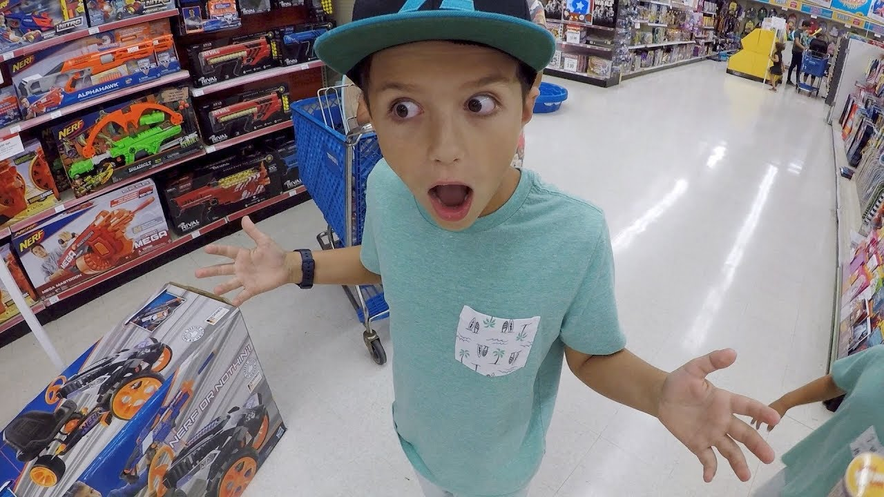 kid gets toys r us shopping spree for birthday youtube kid gets toys r us shopping spree for birthday spiritdancerdesigns Choice Image