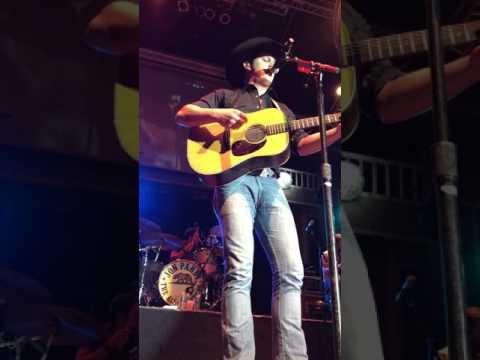 Jon Pardi-Ocean Front Property (cowboys San Antonio 12/31/16)