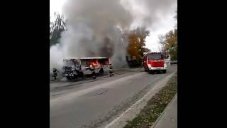 Горит автобус в городе Бор