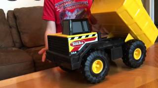 Toy Review of Tonka Classics Mighty Steel Dump Truck