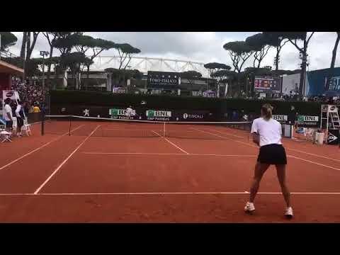 Sharapova celebra un punto ante Nadal