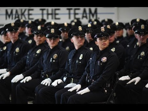 Police Department Job Applications Plummet - Nobody Wants the Jobs Anymore