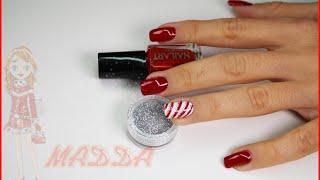 Nail Art - monocolore rosso e bianco con righette natale 2014 veloce Thumbnail