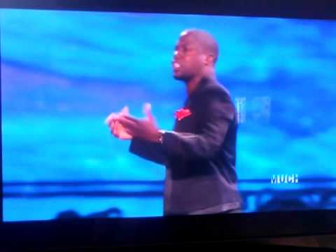 Kevin Hart defending Kristen Stewart during MTV VMAs 2012