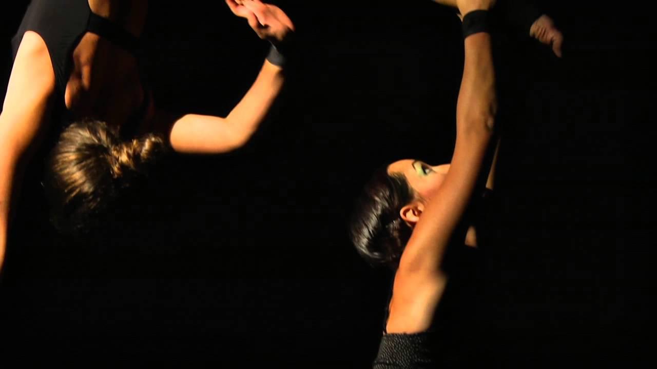 CADUTE DALLE NUVOLE -Contemporary  aerial  circus-
