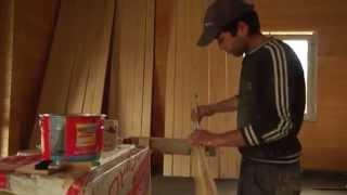 видео Строительство загородного коттеджа: Как защитить древесину от гниения?