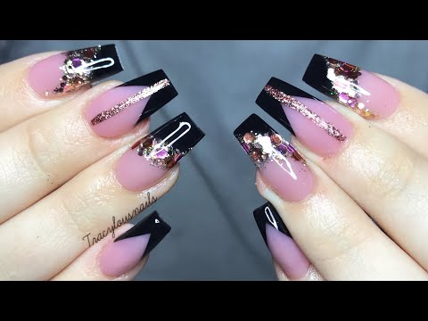 Acrylic Nail Tutorial | black chevron nails with glitter thumbnail