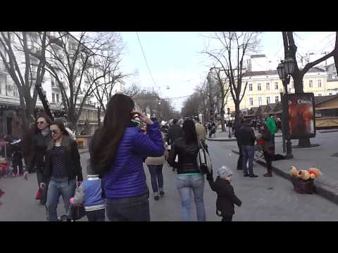 Odessa Streets - April 1st - Park and Deribasavkaya walking