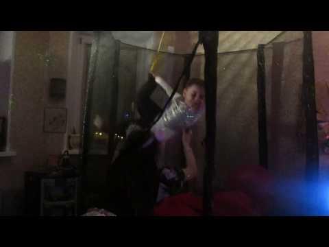 Воздушный гимнаст.