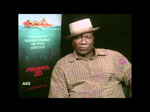 VING RHAMES ANS PIRANHA 3D INTERVIEW