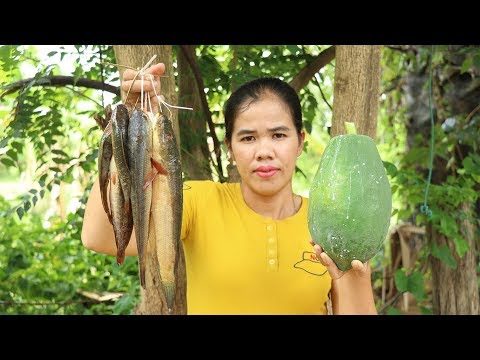 Awesome Cooking Papaya Sour Soup With Fish Delicious  -  Fish Soup Recipes   - Primitive Technology