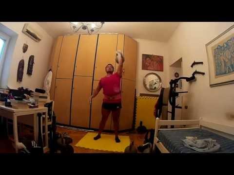 Half marathon kettlebell press 28 kg