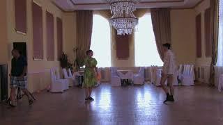 Пародия на фильм Любовь и Голуби, танец