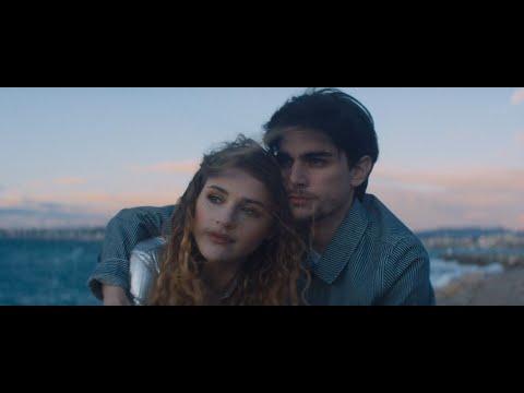 Смотреть клип Lou - Ne Me Suis Pas