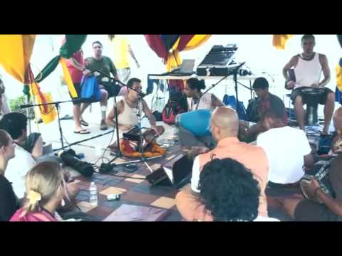 Bhajan - KulimeLA Day 1 - Vijay Krsna das (10/11)