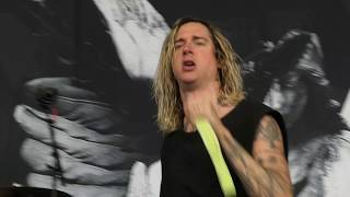 Underoath - On My Teeth / Loneliness Live in The Woodlands / Houston, Texas