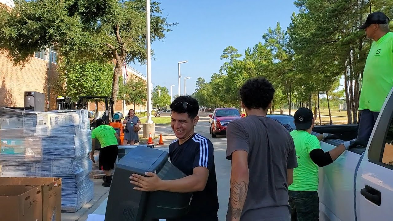 LocalMeA Minute - EMCID   s 2nd Annual Electronics Recycling Event
