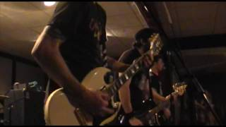 Useless ID - Isolate Me (Live at The Schwaben Club)