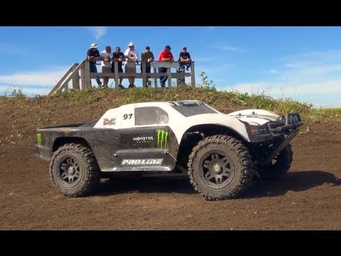 RC ADVENTURES - DiRTY iN THE BONE - BAJA 5T TRUCKS DiRT TRACK RACiNG