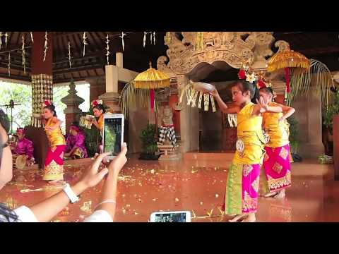 Pendet Bali Dance Performance by ABC Kids