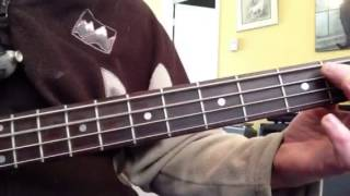 How to play 7 Nation Army on bass