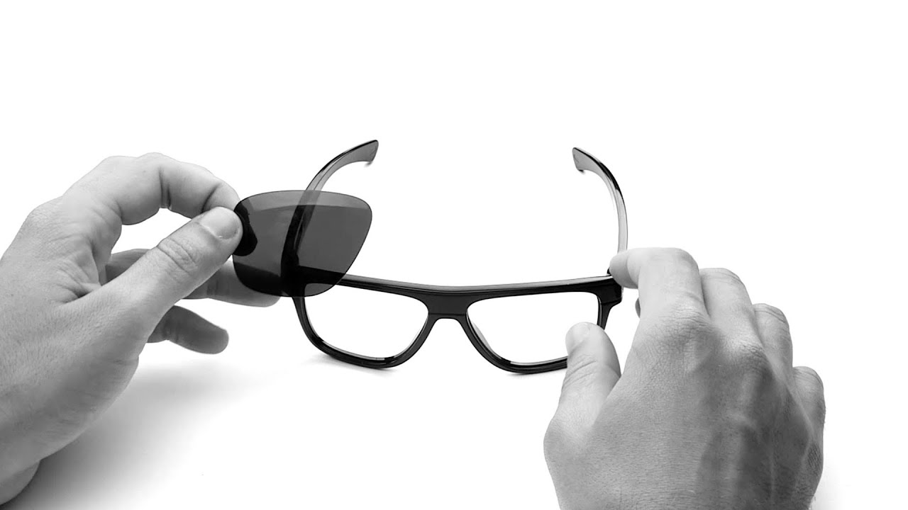 22d322e5be Oakley Breadbox Lens Replacement   Installation Instructions - YouTube