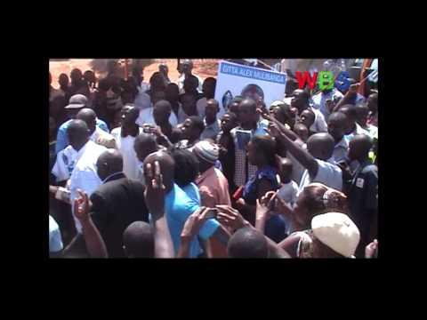 Gen. Kahinda Otafiire has attacked Amama Mbabazi of exhibiting character traits