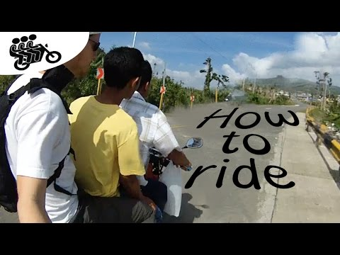 Moto-Landscapes. How to ride a motorbike in the Philippines? Food distribution