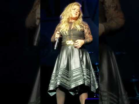 Kelly Clarkson love so soft ,move u, people like us, since you been gone, miss independent, stronger