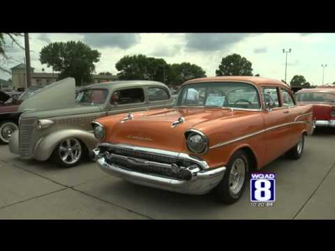 Quad Cities Cruisers Hold Car Show In Moline Youtube