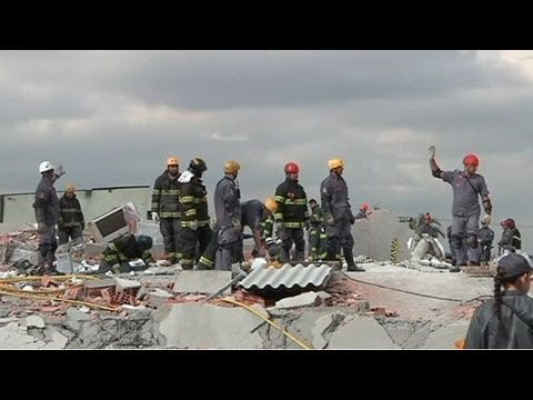 Brazil building collapse: at least 7 killed, some still missing